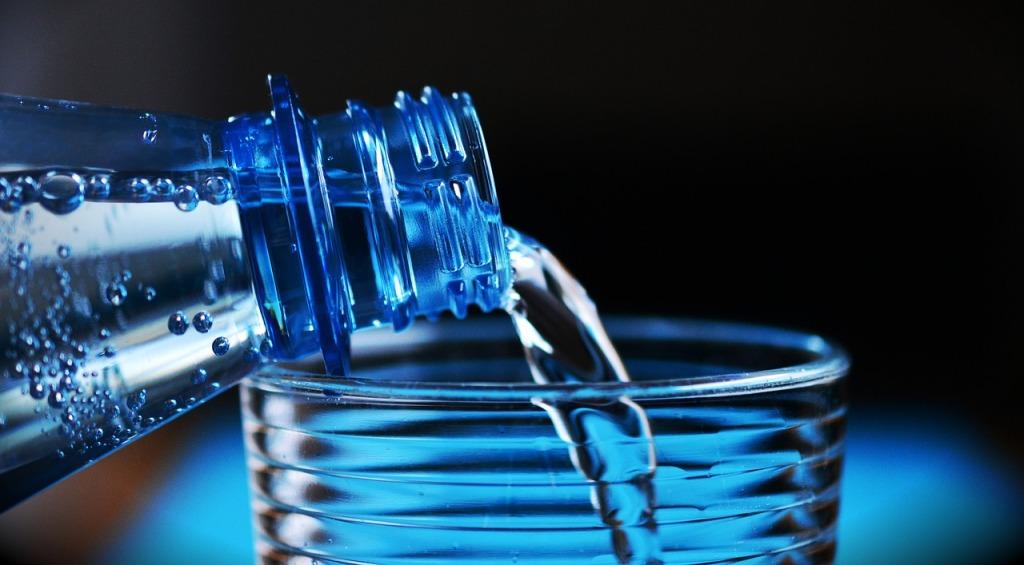 bottle-2032980_1280