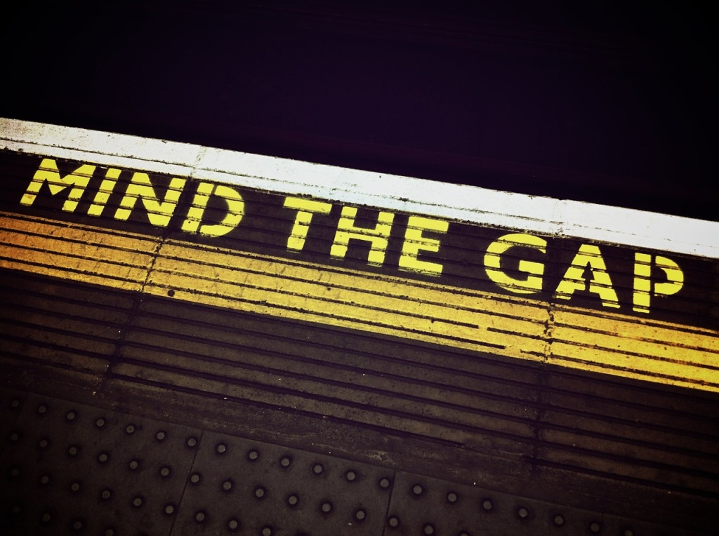 mind-the-gap-1876790_1280
