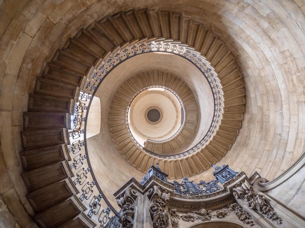 st-pauls-geometric-stairs