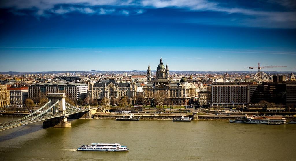 budapest-2173057_1280