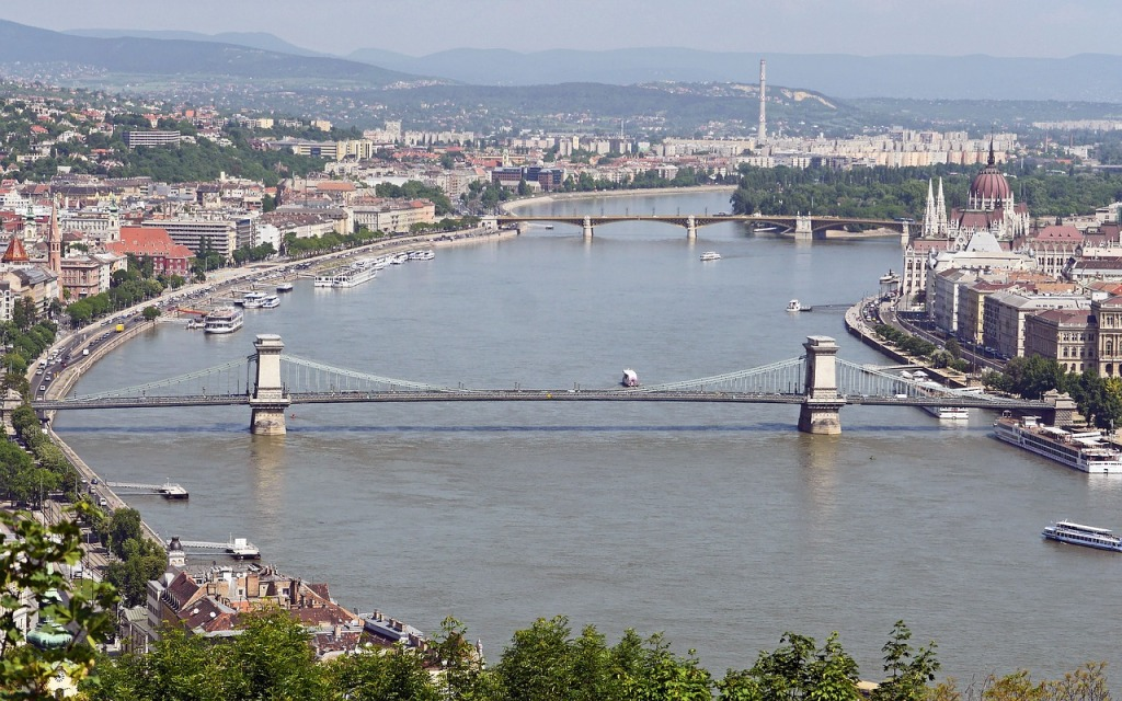 budapest-2227017_1280