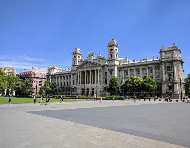 budapest-2705310_1280