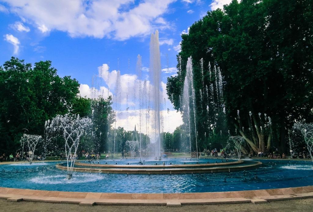 fountain-594619_1280