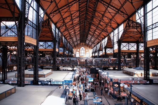 market-hall-1531434_1280