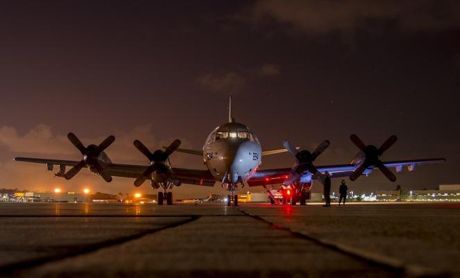 airplane-2037961_1280
