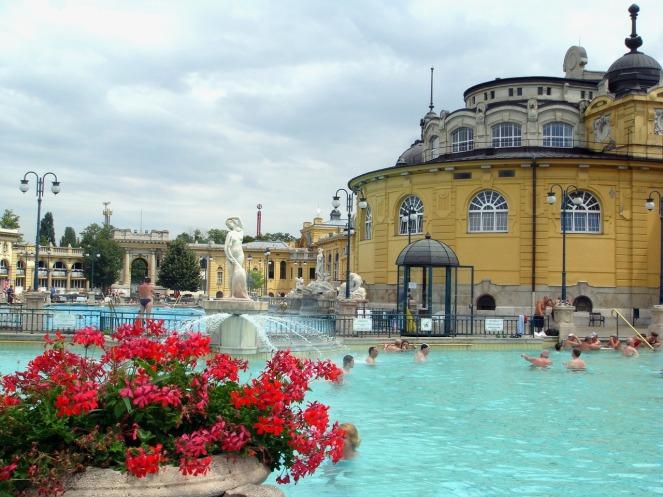 budapest-spa-646062_1280