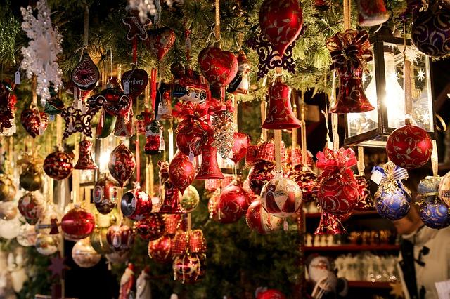 christmas-market-550323_640