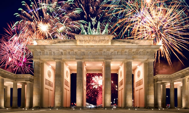 new-years-eve-2018-at-the-brandenburg-gate-506409.jpg