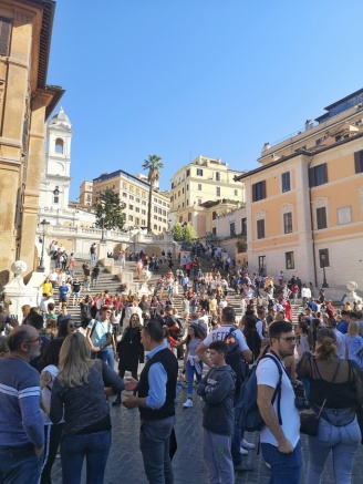 Crowds at Spanish Steps